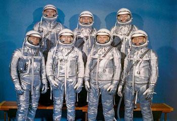 نخستین فضانوردان ناسا چه کسانی بودند؟