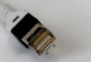 خاموش کردن وای فای کامپیوتر وقتی که به اینترنت متصل هستیم