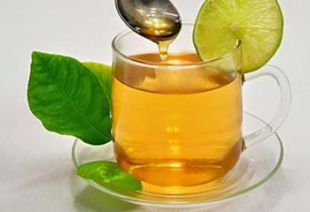 فواید نوشیدن آبلیمو و عسل